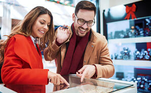 Engagement ring shopping with partner | Facets Singapore